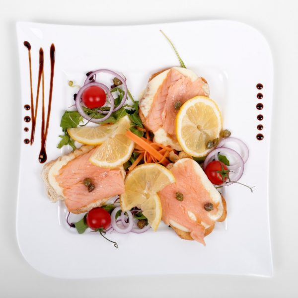 Abruptness with mozzarella and salmon (150 g)