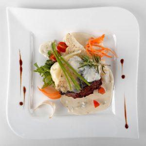 Muschi de vitel cu sos gorgonzola/ parmezan (250 g/ 50g)