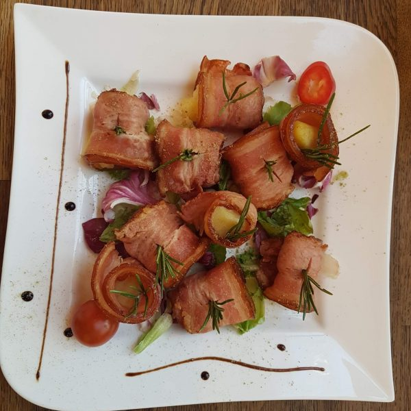 Cartofi in bacon cu rozmarin (250/50 g)