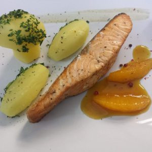 Salmon fillet with orange sauce (250 gr/50 gr)
