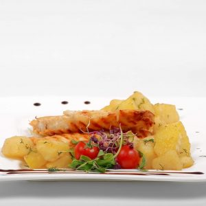 Chicken in parmesan crust with potatoes and dill (300 g)